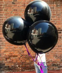 Большие воздушные шары черного цвета