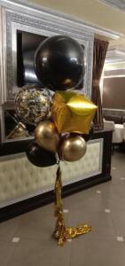 Стильный набор из воздушных шаров