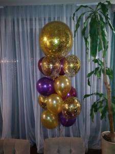 Фонтан из шаров с конфетти