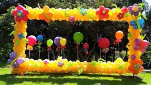 Фотозона из воздушных шариков в фоторамке
