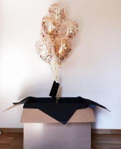 Коробка сюрприз с гелиевыми шариками