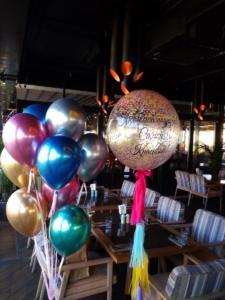 Фонтан из воздушных шаров хром