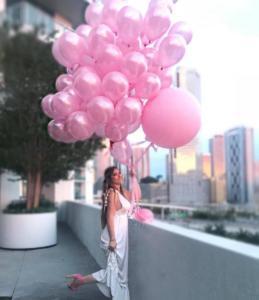 перламутрово-розовые воздушные шары