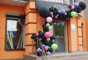 Разнокалиберная гирлянда из шариков