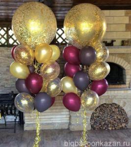Фонтан с шарами с золотыми конфетти