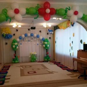 Выпускной в детском саду оформлен воздушными шарами Казань